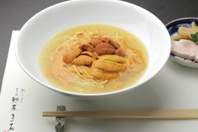 雲丹三種盛り鯛らーめん 2,500円(税込み)