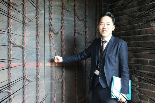 鎖の玄関ドア