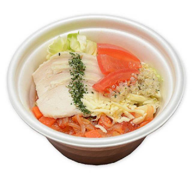 「野菜を食べよう!蒸し鶏とトマトのスープ」(税込368円)