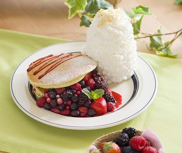 「クインタプルベリーパンケーキ」1,450円(税別)
