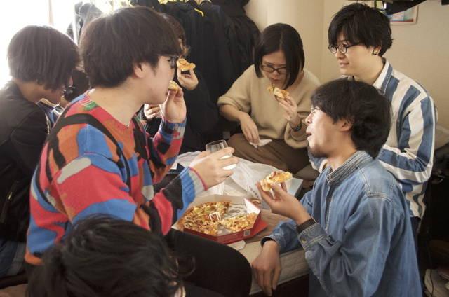 部屋飲み ピザ