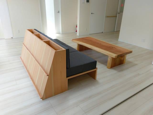 多摩産杉のテーブル&ソファ