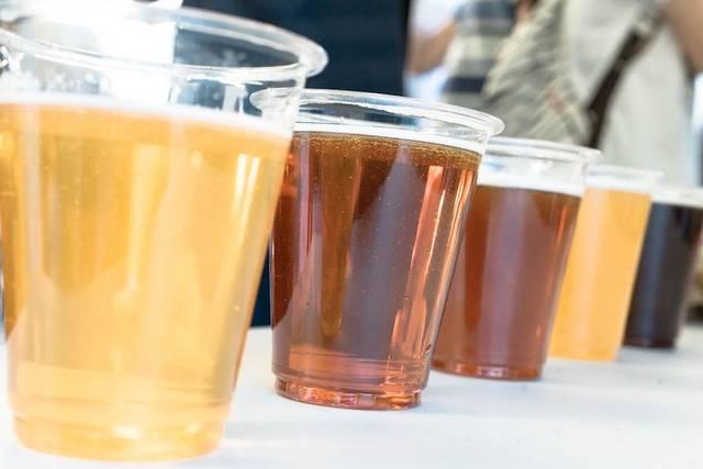 国内外の200種類以上のビールが楽しめる