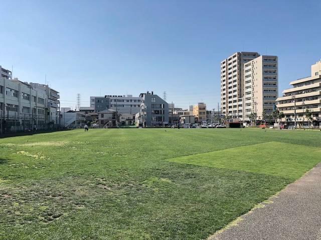 会場は約6,000平方メートルの広大な芝生広場「町田シバヒロ」