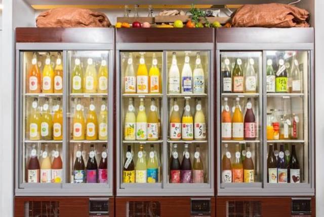 100種類以上の梅酒・果実酒から好みのお酒を選んでかけることも可能