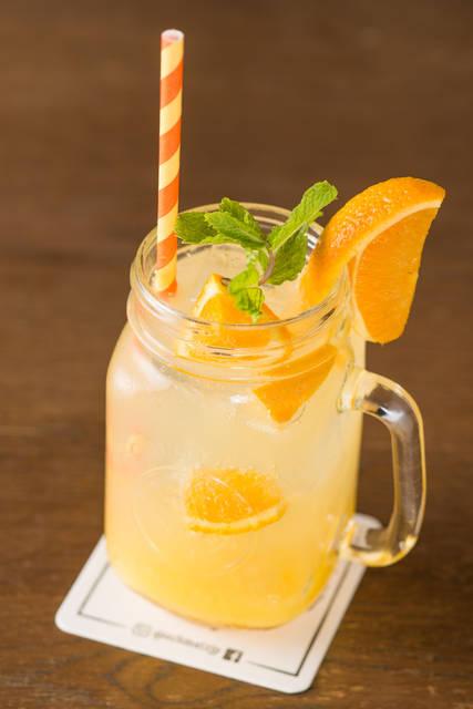 ノンアルコールの「オレンジビネガーソーダ」600円(税別)