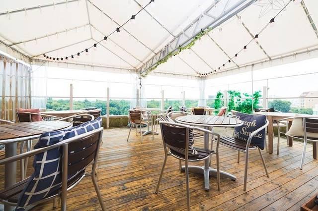 緑と大空を楽しめるテラス席が話題のカフェダイニング「ソラゼノン」