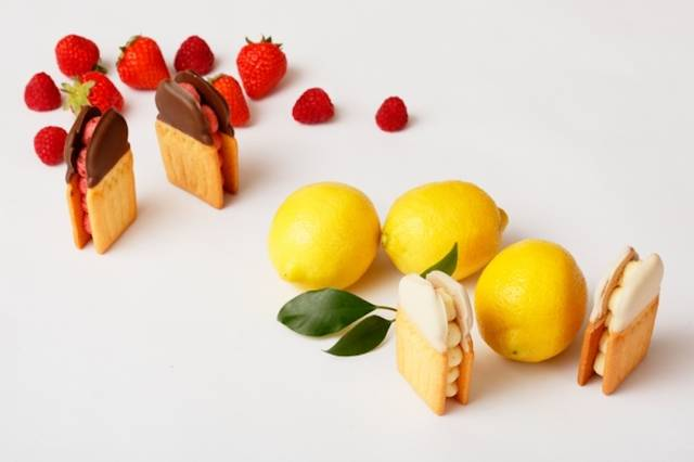 さわやかな味わいの、レモンマーマレードといちご&ラズベリージャムの2種をセット