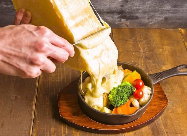 「その場でかけれる!?ラクレットチーズ」1,180円(税別)