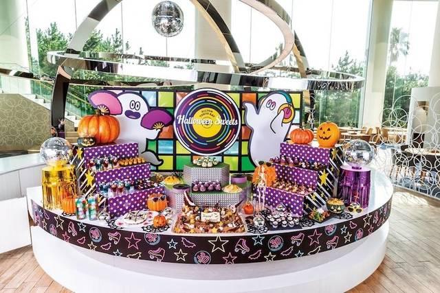 約35種類のデザート&軽食メニューが食べ放題の「ハロウィーン・ディスコ」