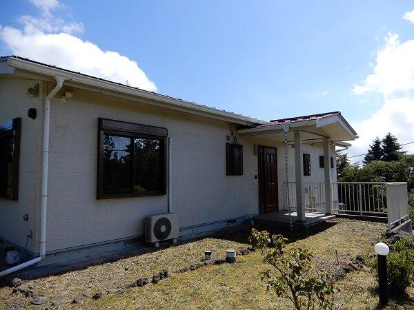 物件No.142 富士河口湖町富士ヶ嶺の別荘地にある築浅物件です