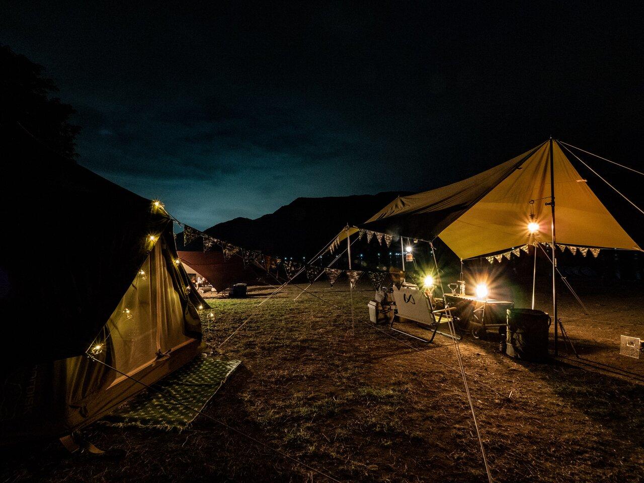 知る人ぞ知る、西湖の老舗キャンプ場で秋キャンプしてきました!