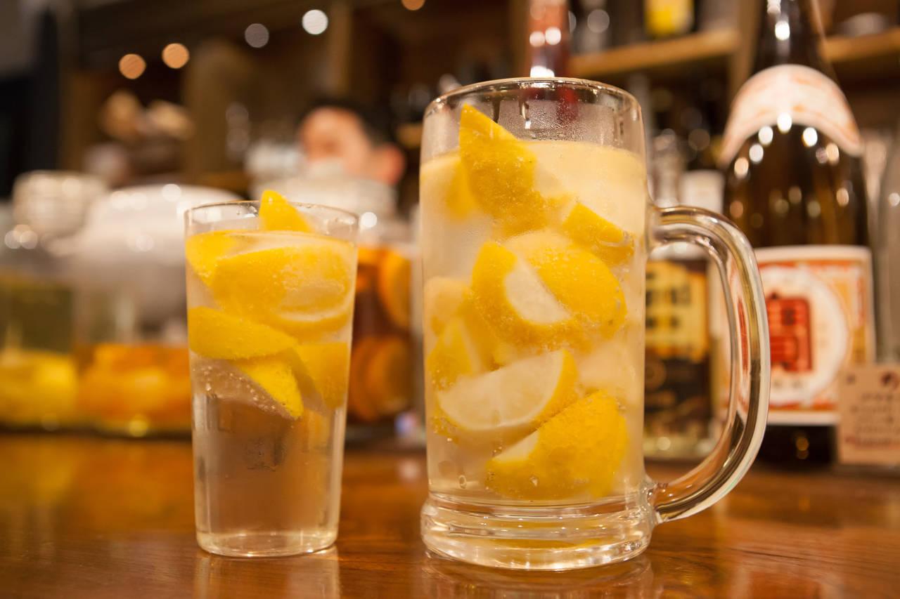 """グラス一杯にぎっしり詰まった""""こだわりのレモンサワー""""の噺"""