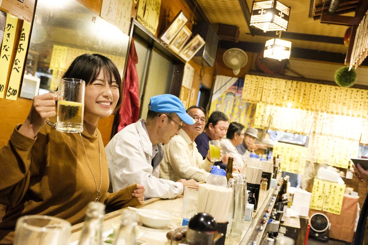 【東京・大衆酒場の名店】初心者女子と楽しく学ぶ! 篠崎「大林」の魅力と「下町酒場の成り立ち」の噺