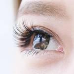 噂のまつ毛が伸びる目薬・グラッシュビスタってどんな目薬?効果や危険性は?