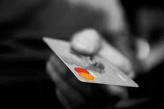 調剤薬局でもクレジットカードを使う時代!?