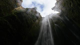 "Zen Waterfall Meditation ""Takigyo"" Boosts Your Focus"