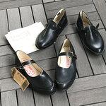 他にはないレインシューズを、現在も受け継がれるセルビアの農夫靴「オパナック」
