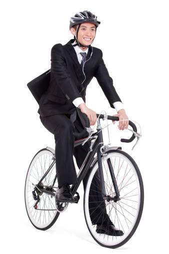 自転車通勤の人は要注意!イヤホン使用が条例違反になる?