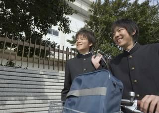 自転車通学で荷物はどうする?前カゴ・荷台・リュック?