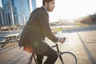 【これで暑い日でも安心して走れる!】自転車通勤の汗対策