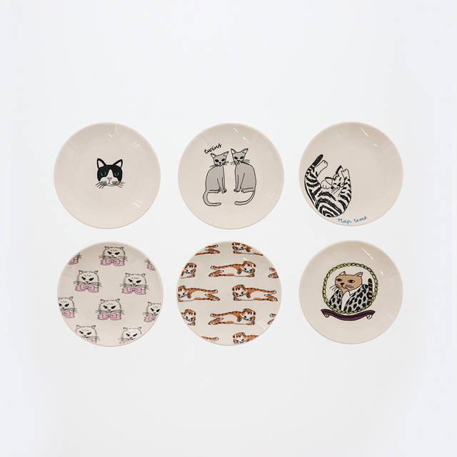 2月19日発売予定。「CAT豆皿」各324円
