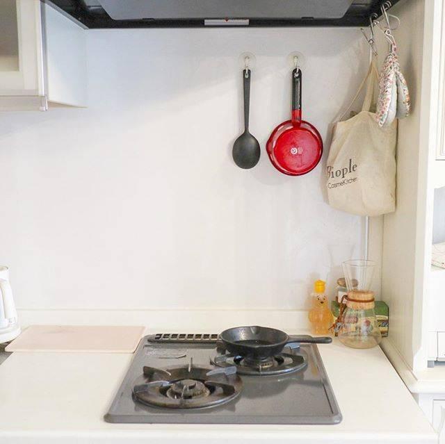 【Before】シンプルでよくあるキッチンに見えます。