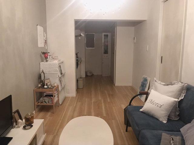 Before:もともとの床はこのようなよくある茶色でした