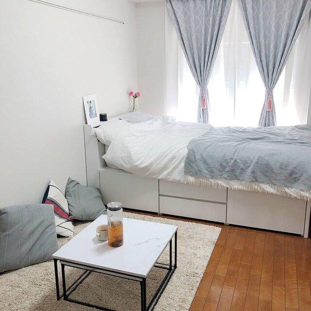 7.5畳のお部屋。セミダブルベッドにコンパクトなテーブルは小さな部屋でまねしたいポイント!