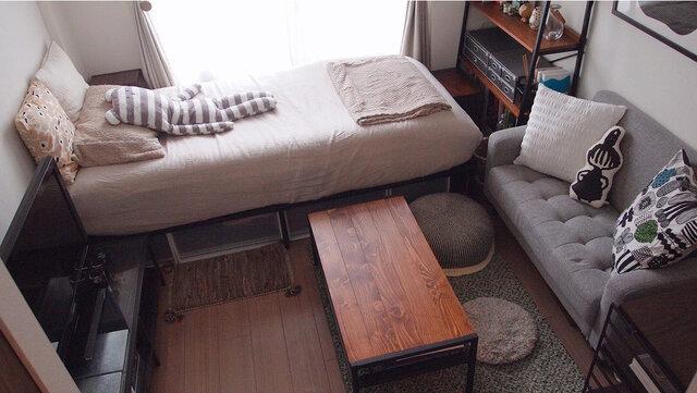 6畳のお部屋。5畳の場合もう少しだけ狭くなるのでコンパクトなアイテム選びを!