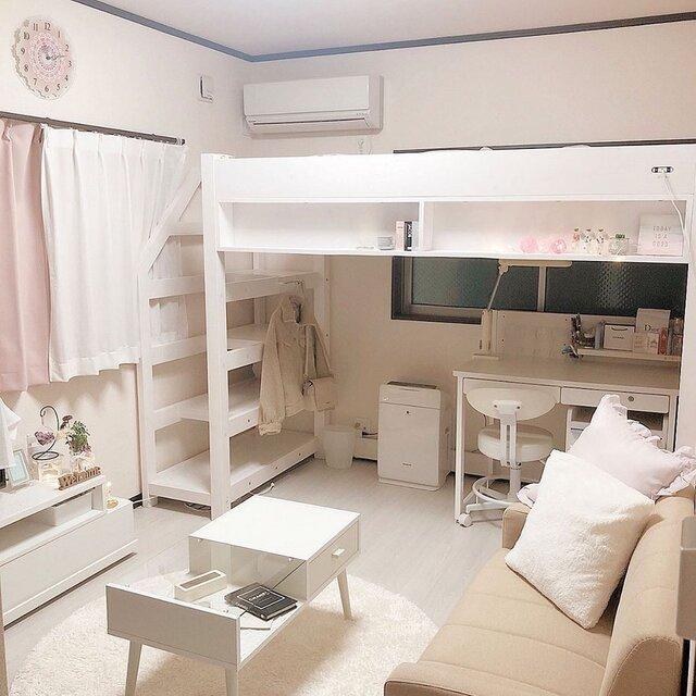 6.5畳のお部屋。5畳のお部屋の場合はもう少しコンパクトなアイテムを選んで、家具の間隔を狭めれば◎