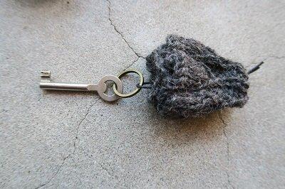 ウールのキーリング 1,210円