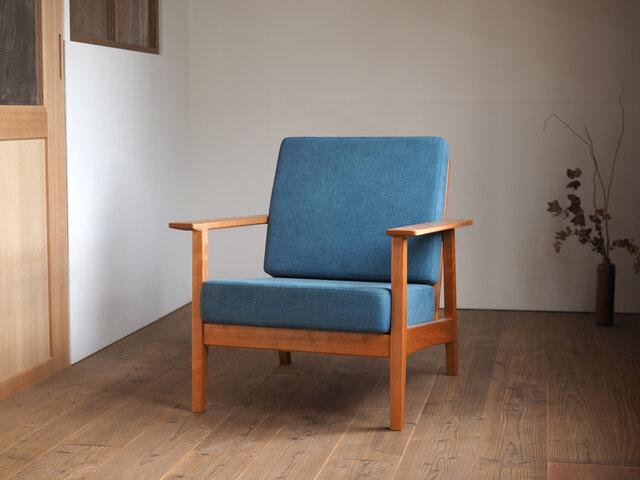 青空ソファ CHERRY 185,900円/WALNUT 195,800円
