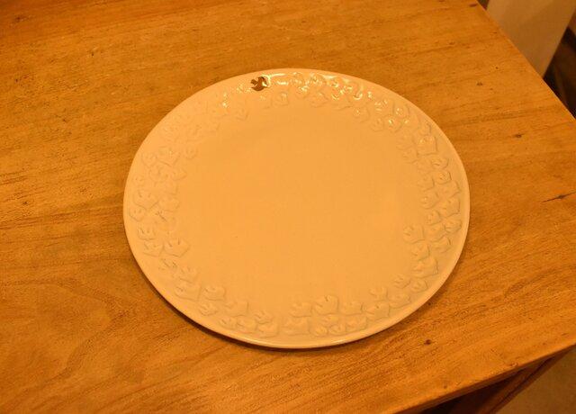 ホワイトグレー 渡り鳥のお皿 丸2,420円