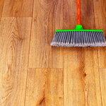 フローリングをずっときれいに。簡単お手入れ&しつこい汚れの落とし方 - とりぐら|一人暮らしの毎日がもっと楽しく
