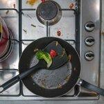 キッチンの油汚れを落としたい!使える洗剤や掃除方法まとめ - とりぐら|一人暮らしの毎日がもっと楽しく