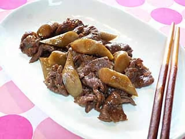 ごぼうと牛肉の煮物