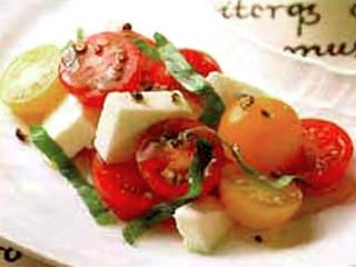 プチトマトとモッツァレラのサラダ