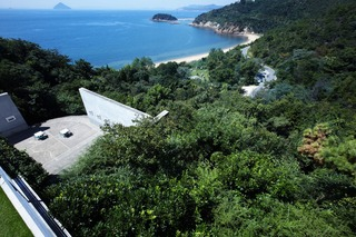 STAYING IN A MUSEUM: BATHE IN THE AFTERGLOW OF THE MAGNIFICENT ART EXPERIENCE IN NAOSHIMA