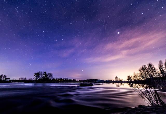 「星が綺麗ですね」の意味とは!正しい返し方や他の類語も紹介