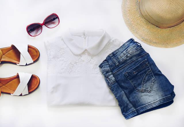 白シャツの黄ばみをキレイに落とす!真っ白に蘇らせる方法や予防の仕方!