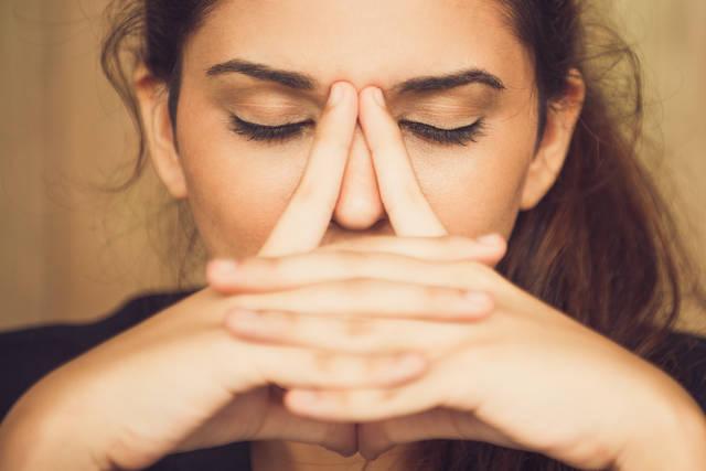鼻の黒ずみを除去したい!黒ずむ原因やおすすめの取り方とは?
