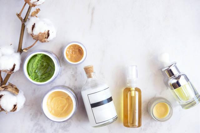 化粧水でハトムギ成分配合の効果や使い方!実感の高い人気ブランドは?