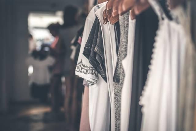 ドレスコードのスマートカジュアルとは?女性におすすめの服装と注意点を解説