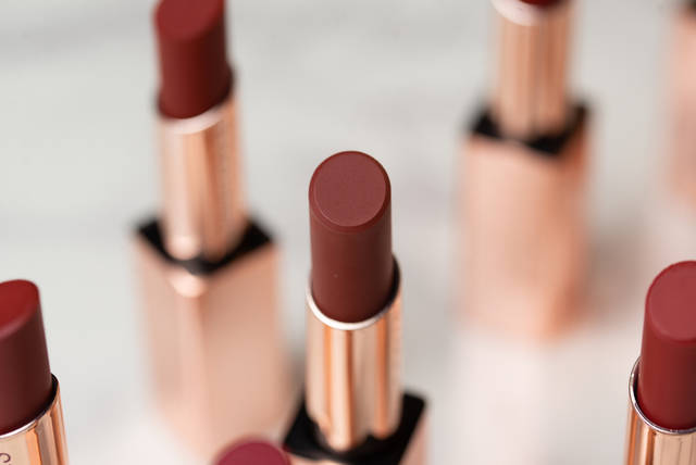 口紅の塗り方をタイプ別に紹介!長持ちさせる方法や似合う色の選び方まで