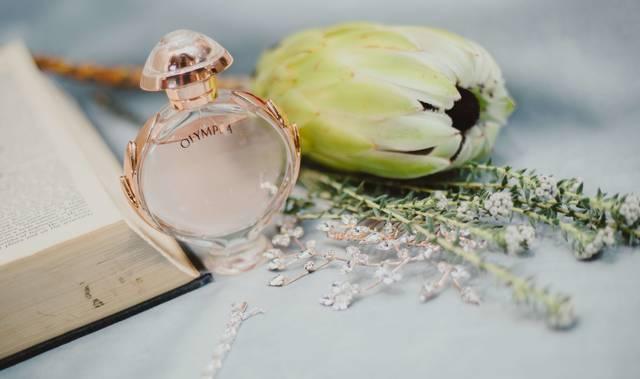 香水の使用期限で未開封・開封済みはいつまで?劣化を防ぐ方法や確認の仕方は?