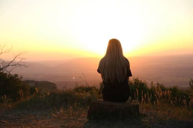 片思いが辛い時と感じる瞬間は?好きすぎる時の対処法を詳しく解説