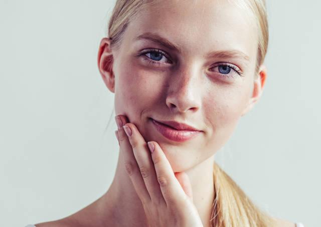 乾燥肌に人気の化粧水まとめ!肌の悩み・年代別のおすすめアイテム