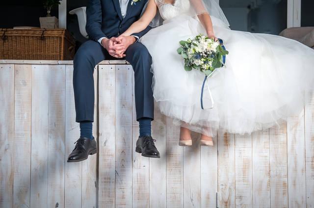 結婚式のハンカチのマナーって?色や素材・デザインまでおすすめを紹介