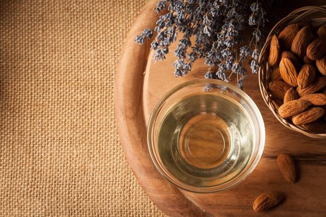 ヘアオイルのオーガニック系でおすすめ11選!人気の香りや無添加商品まで
